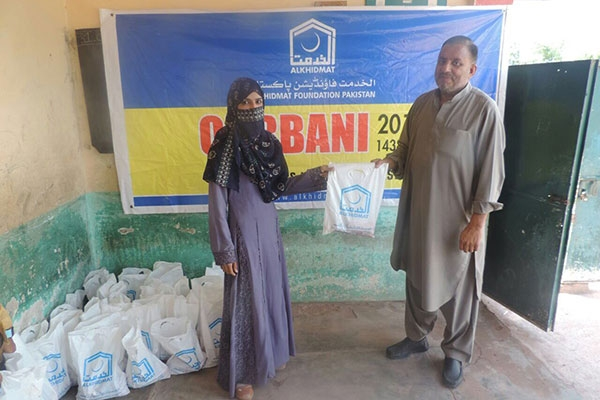 Alkhidmat distributed Qurbani meat to 7000 families